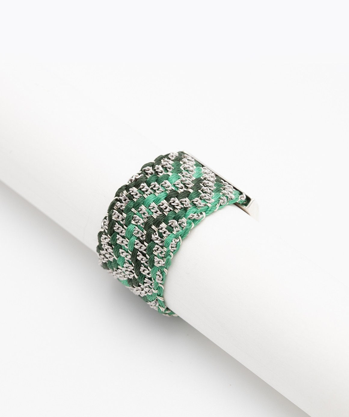 ZIG ZAG Ring in Sterling Silver rhodium plated. Fabric: Silk Shades of Green