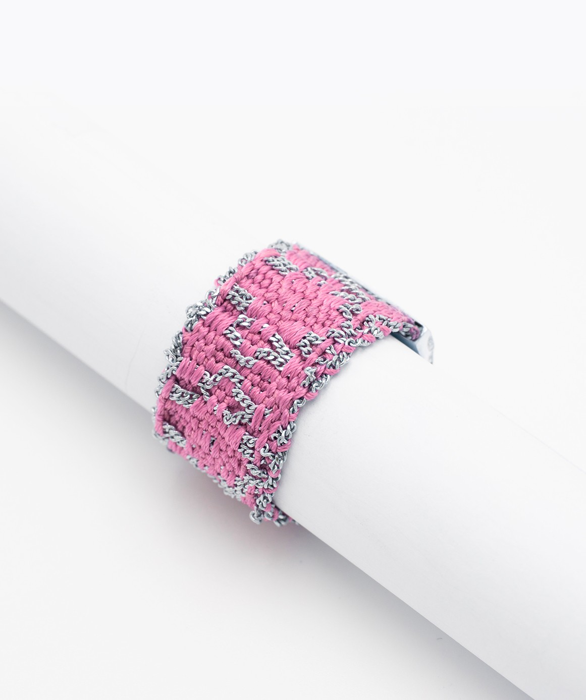 RHOMBUS Ring in Sterling Silver Rhodium plated. Fabric: Pink