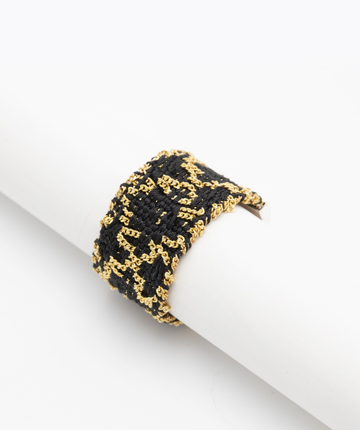 RHOMBUS Ring in Sterling Silver 18Kt. Yellow gold plated. Fabric: Black