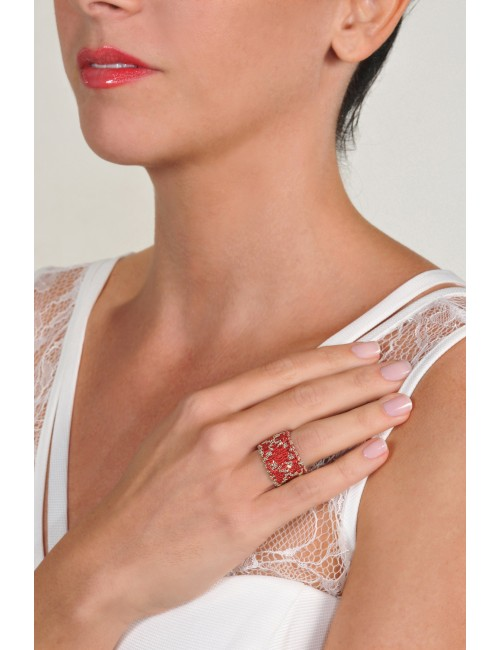 RHOMBUS Ring in Sterling Silver Rhodium plated. Fabric: Red