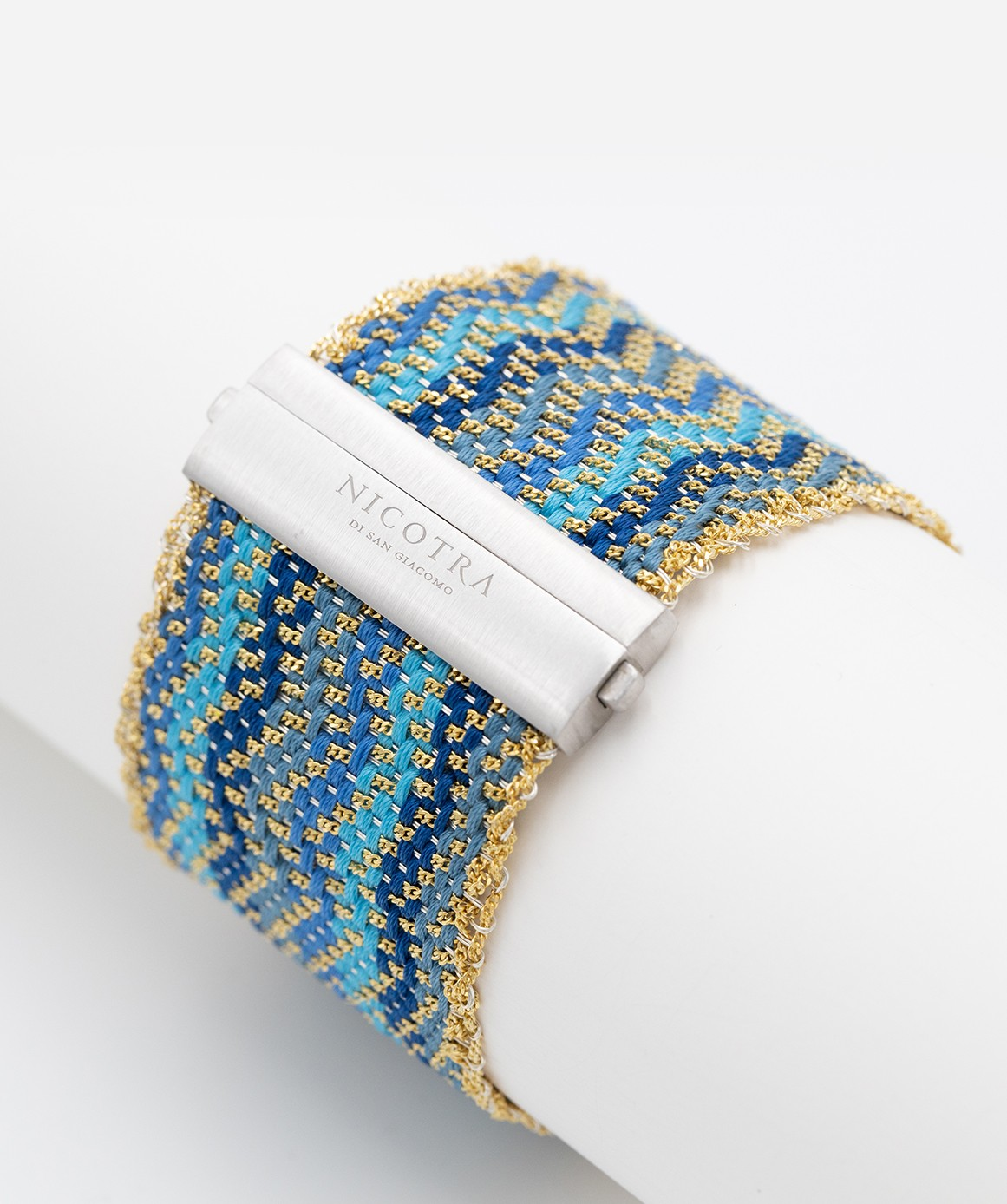 ZIG ZAG Bracelet in Sterling Silver 18Kt. Gold plated. Fabric: Silk Shades of Blue